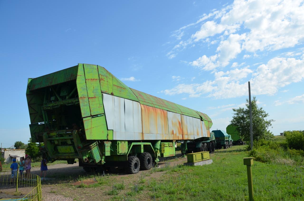Mehrachsiges Transport Fahrzeug für Atomraketen