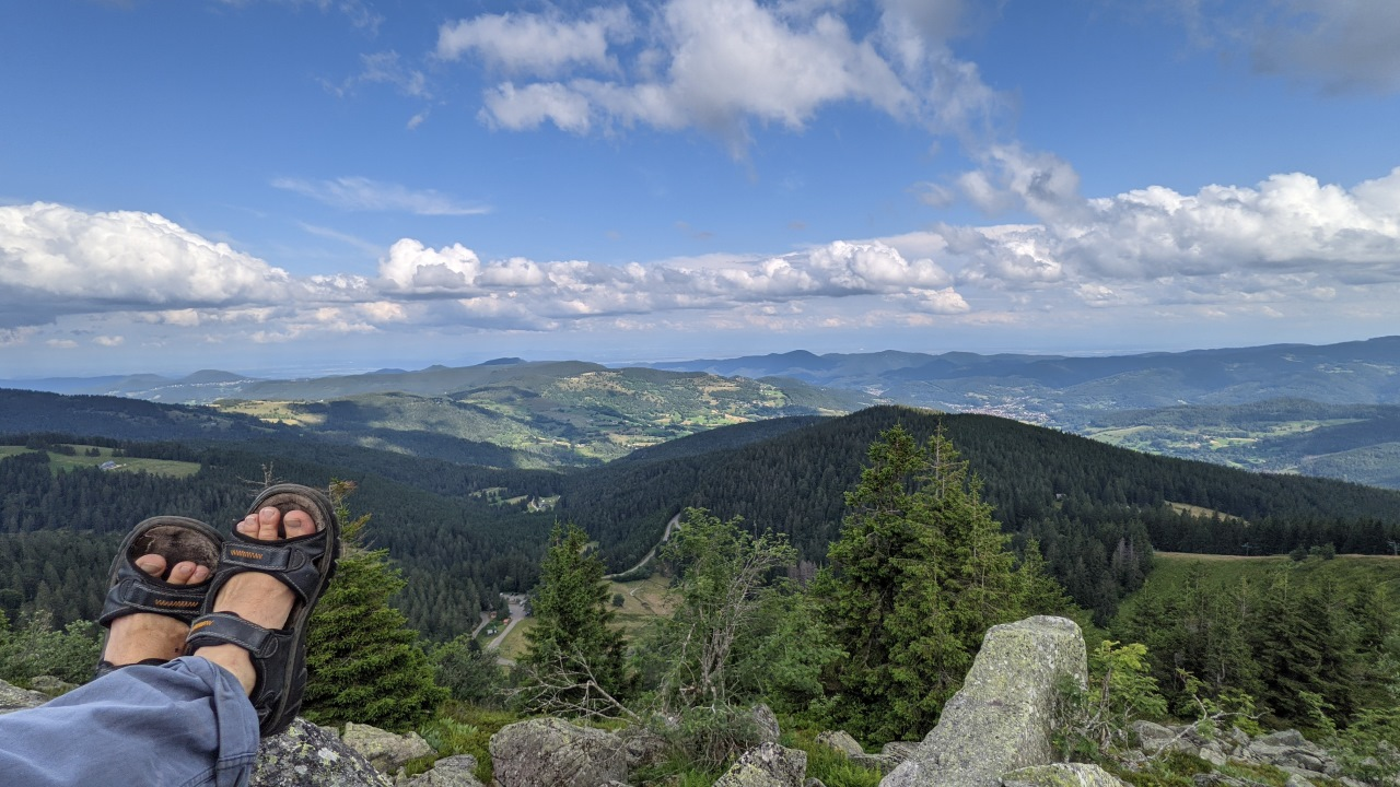 Panorama Blick nach Deutschland vom Gebirge der Vogesen aus gesehen
