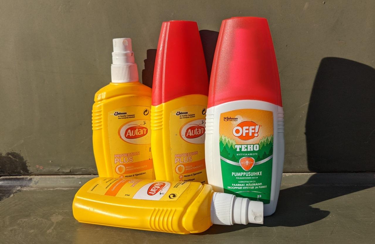Flaschen mit Johnson Autan protection plus und TEHO Off